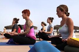 yoga%e3%82%af%e3%83%a9%e3%82%b9